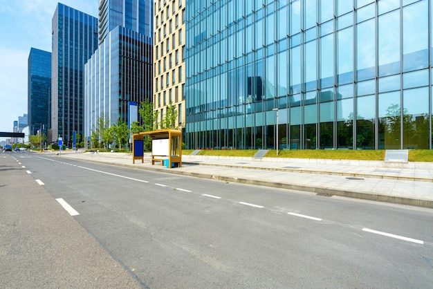 Edifício de escritórios de rodovias e centros financeiros em ningbo, china