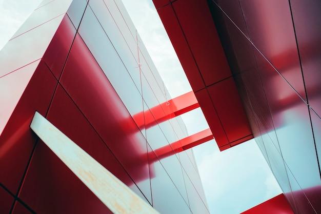 Edifício de finanças moderno de arquitetura com linha geométrica. conceito de construção de sucesso.
