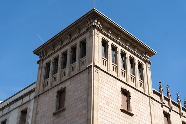 Edifício de pedra clássico