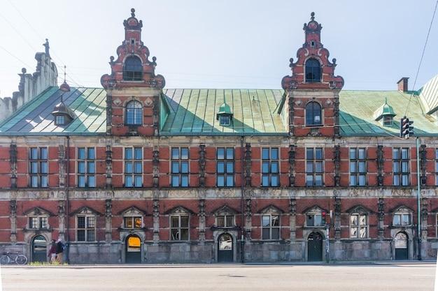 Edifício histórico da bolsa de valores, copenhague, dinamarca