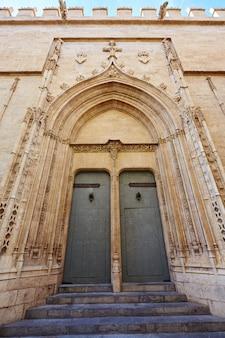 Edifício histórico de valencia la lonja de seda