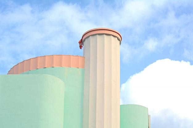 Edifícios art déco em miami, flórida
