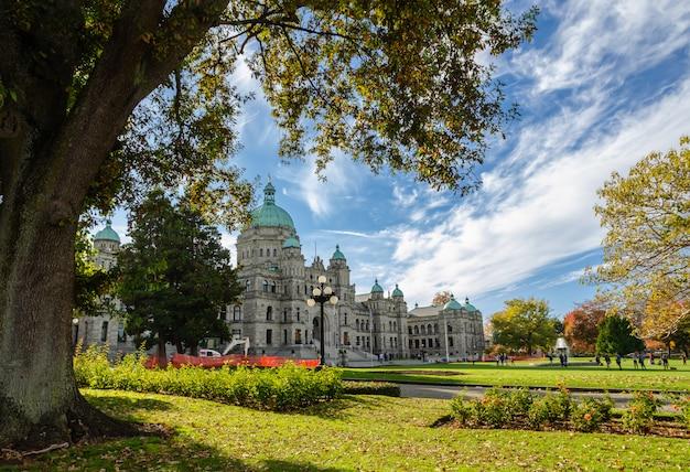Edifícios do parlamento british columbia em victoria, canadá