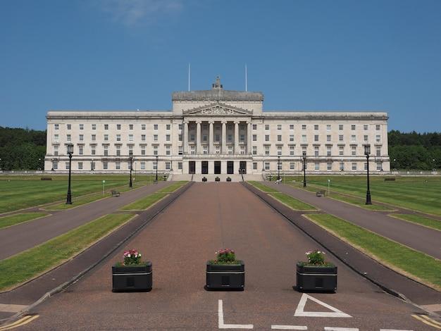 Edifícios do parlamento stormont em belfast