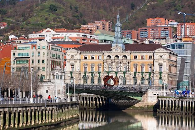 Edifícios em bilbau, espanha