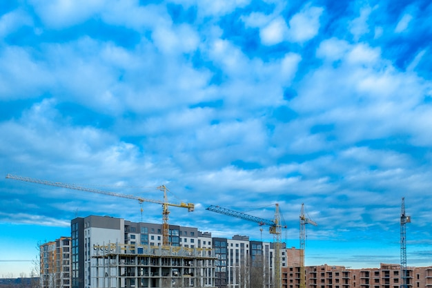 Edifícios em construção