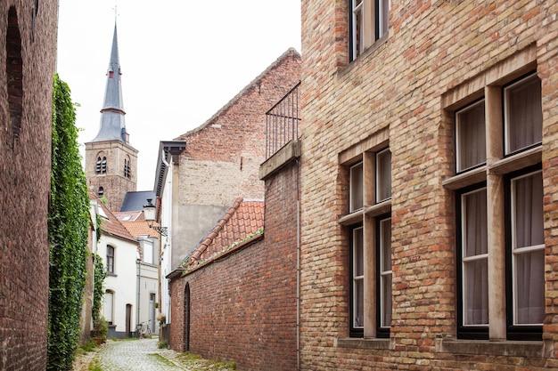 Edifícios medievais, casas na histórica bruges
