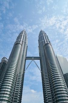 Edifícios simétricos