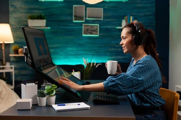 Editor de software gráfico com fones de ouvido funcionando