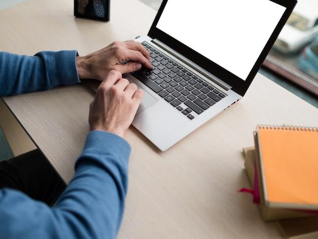 Educação online aprendizagem à distância pandemiv novo normal