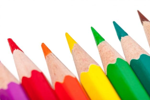Educação ou volta às aulas. close-up tiro macro de lápis de cor