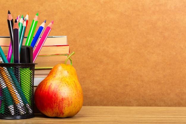 Educação ou volta às aulas.