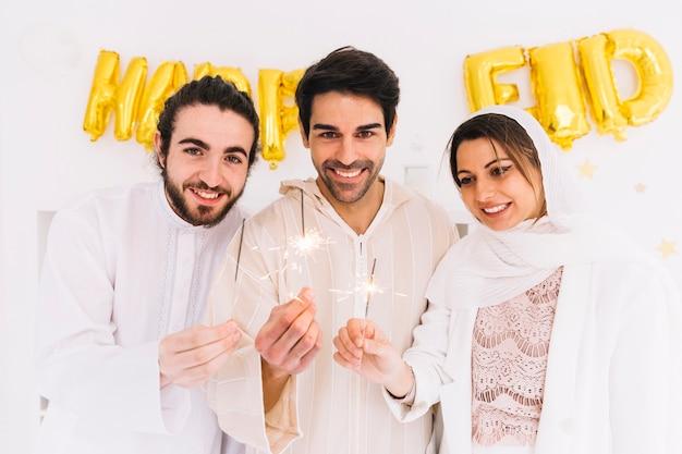 Eid conceito com grupo de amigos