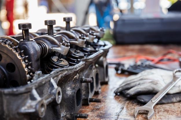 Eixo de cames de bloco de motor de carro e válvula de balancim de mola, conceitos de serviço de reparo e manutenção