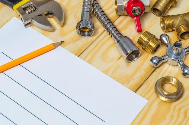Elaboração de plano de reparo de encanamento com peças sobressalentes e ferramenta