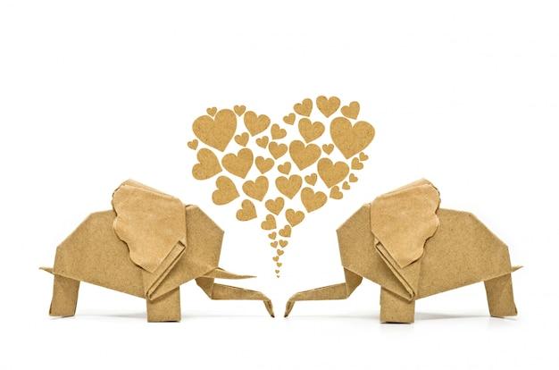 Elefante origami do amor