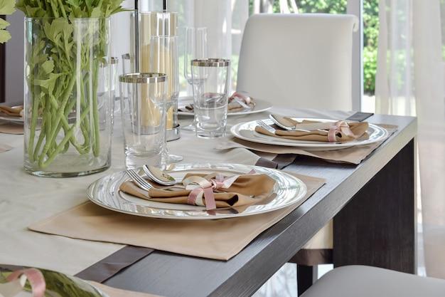Elegante, jogo tabela, em, vindima, estilo, sala jantar, interior