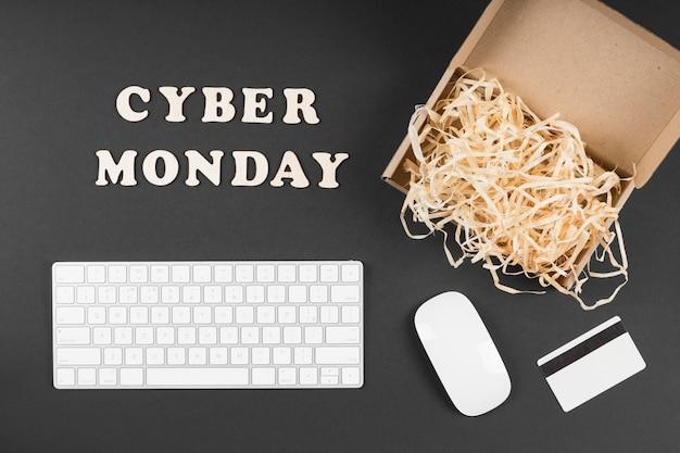 Elementos de evento de cyber monday com texto