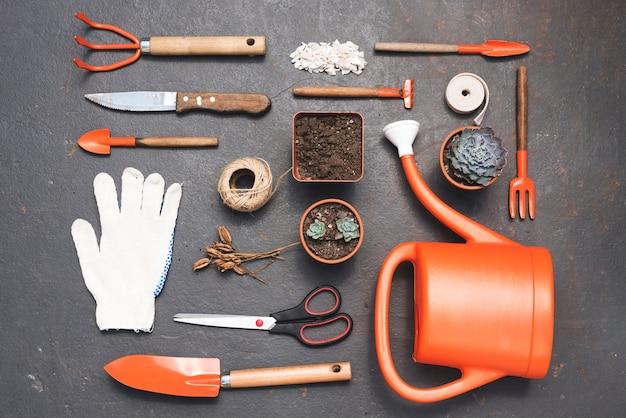 Elementos de jardinagem arrumados