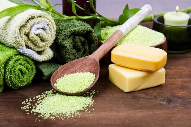Elementos de spa em verde