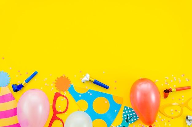 Elementos decorativos coloridos de aniversário