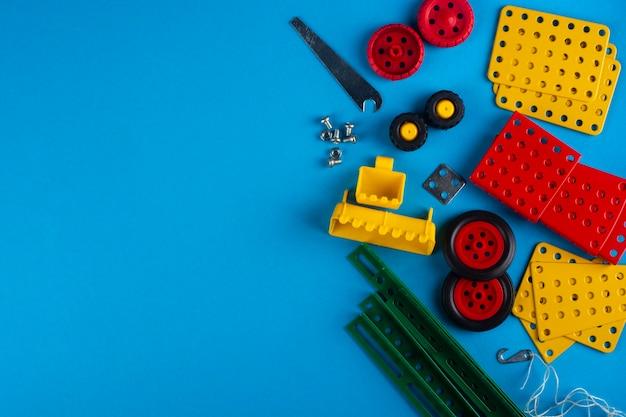 Elementos do designer infantil em azul