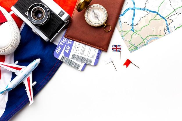 Elementos do kit de viagem da vista superior