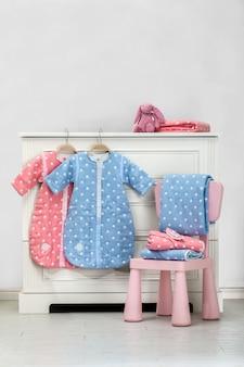 Elementos modernos do quarto do bebê