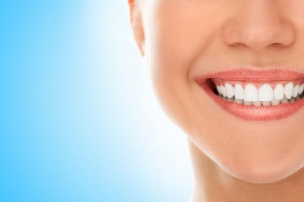 Em um dentista com um sorriso