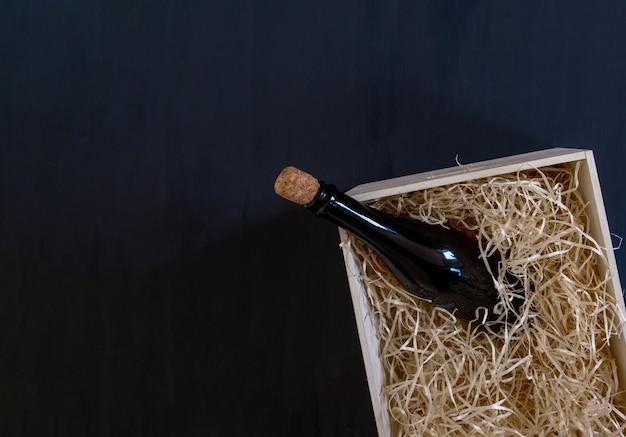 Embalagem de armazenamento de fundo de madeira de garrafa de vinho de serviço de caixa de palha