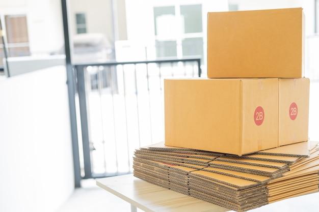 Embalagem de embalagem de produto em caixa