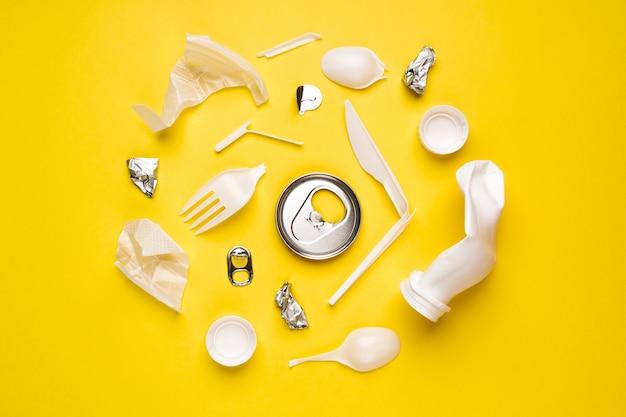 Embalagem plástica de alimentos em amarelo