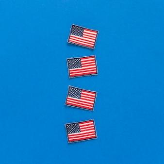 Emblemas com bandeiras dos eua