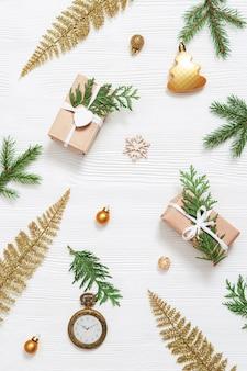 Embrulhado em caixa de presente de natal