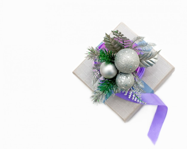 Embrulho de presente de época natalícia