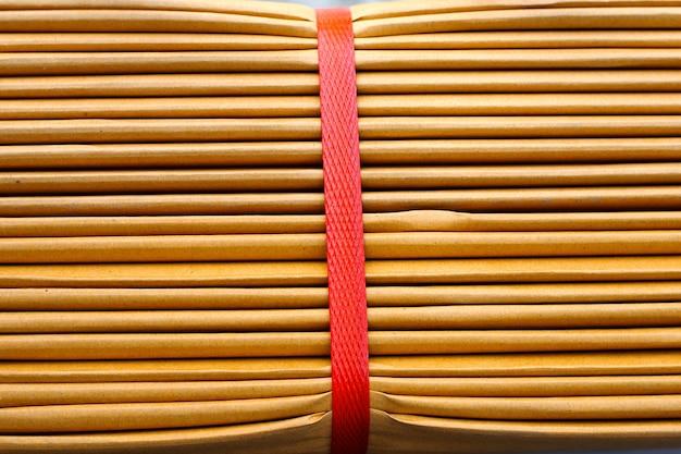 Empilhamento de caixas de papelão, fundo de papel ondulado.