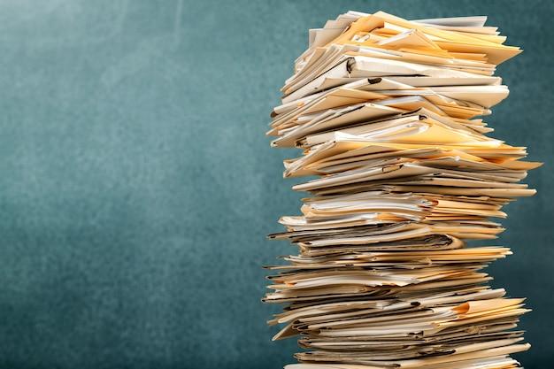 Empilhar pastas de arquivos com documentos em segundo plano