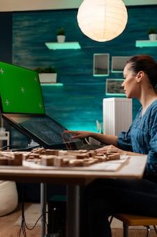 Empreendedor de desenvolvimento fazendo trabalho de projeto digital