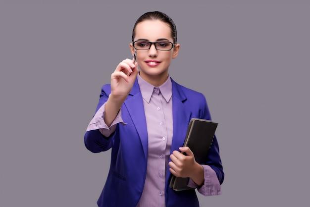 Empresária, pressionando o botão virtual com caneta