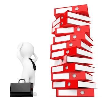 Empresário 3d estressado perto de pilha de fichários de escritório achive vermelhos em um fundo branco. renderização 3d.