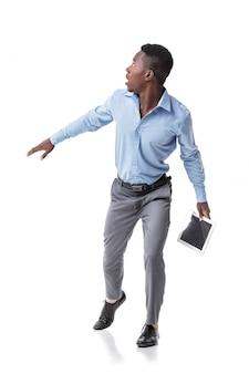 Empresário afro-americano com medo é executado