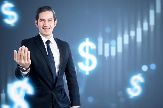 Empresário asiático em pé com o gráfico de barras virtual do dólar. conceito de marketing digital