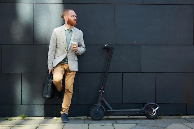 Empresário ativo na rua