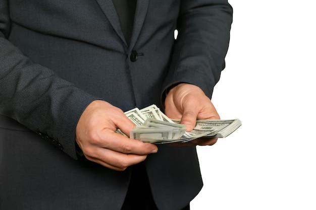 Empresário contando moeda. melhor amigo do advogado. isso deve ser o suficiente. uma bela vista.