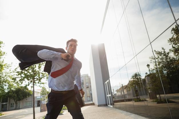Empresário correndo