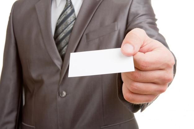 Empresário dando cartão em branco
