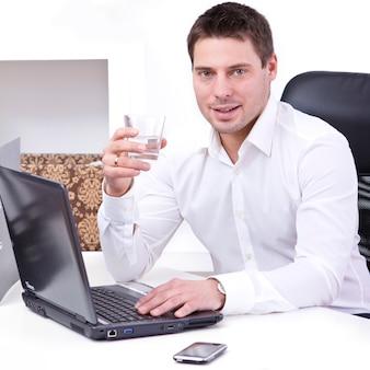 Empresário em seu escritório