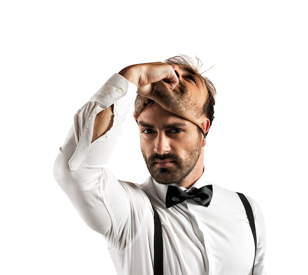 Empresário mudando seu rosto. intruso, identidade falsa