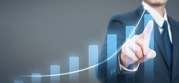 Empresário plano gráfico crescimento aumento de indicadores positivos do gráfico em seus negócios