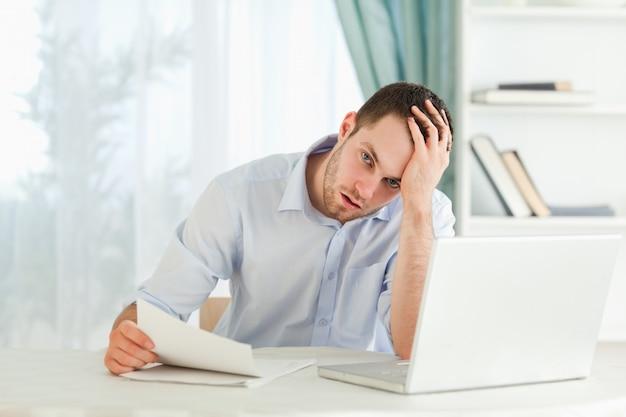 Empresário recebeu uma carta alarmante